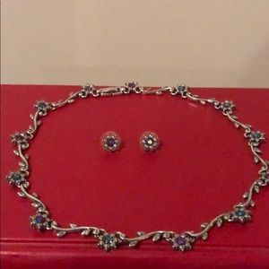 Choker necklace with earrings